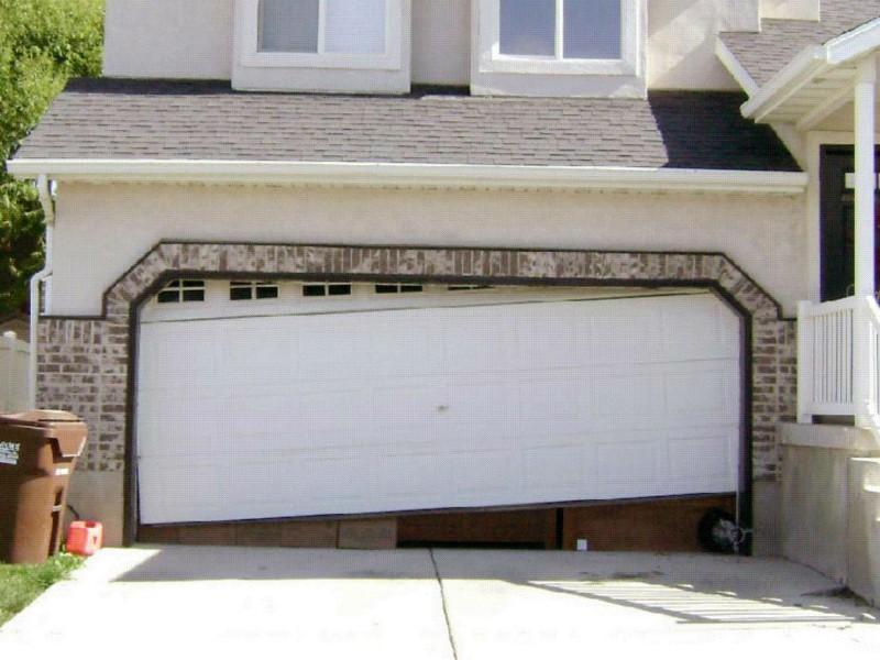 Garage-Off-Track-Repair